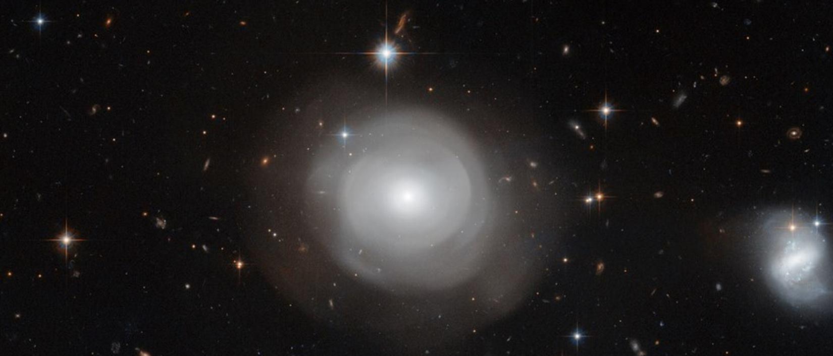 BINARNI ZVIJEZDANI SUSTAV Jedna zvijezda 'jede' drugu, očekuje se supernova