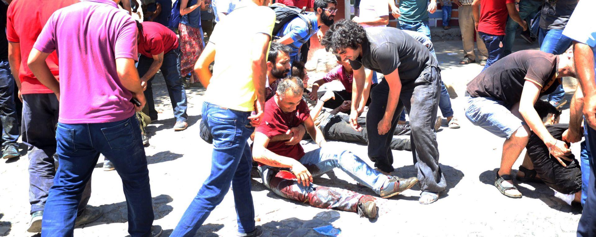 NOVI NAPAD ISLAMSKE DRŽAVE U atentatu u Kairu ranjeno najmanje 29 osoba, od čega šest policajaca