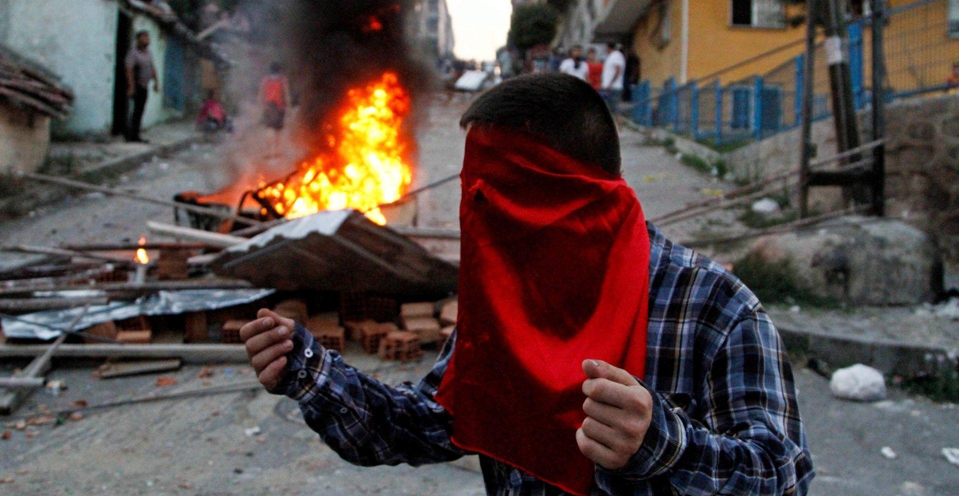 TERORIZAM: U napadu na jugoistoku Turske pet mrtvih i 39 ranjenih