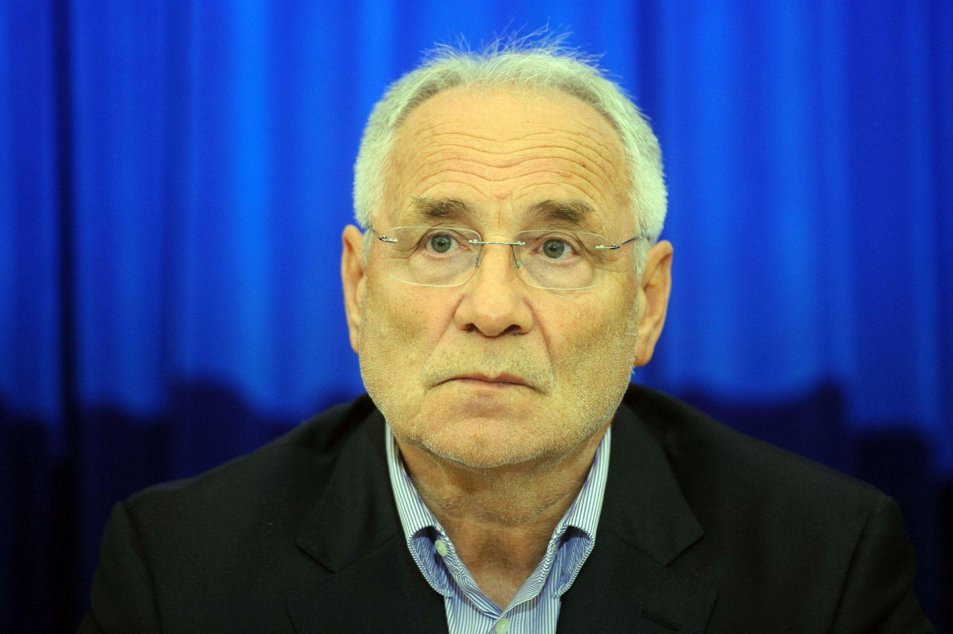 """POTREBNO SMIRIVANJE RETORIKE Vajgl: Postupak Hrvatske je """"ekstreman i demogoški"""""""