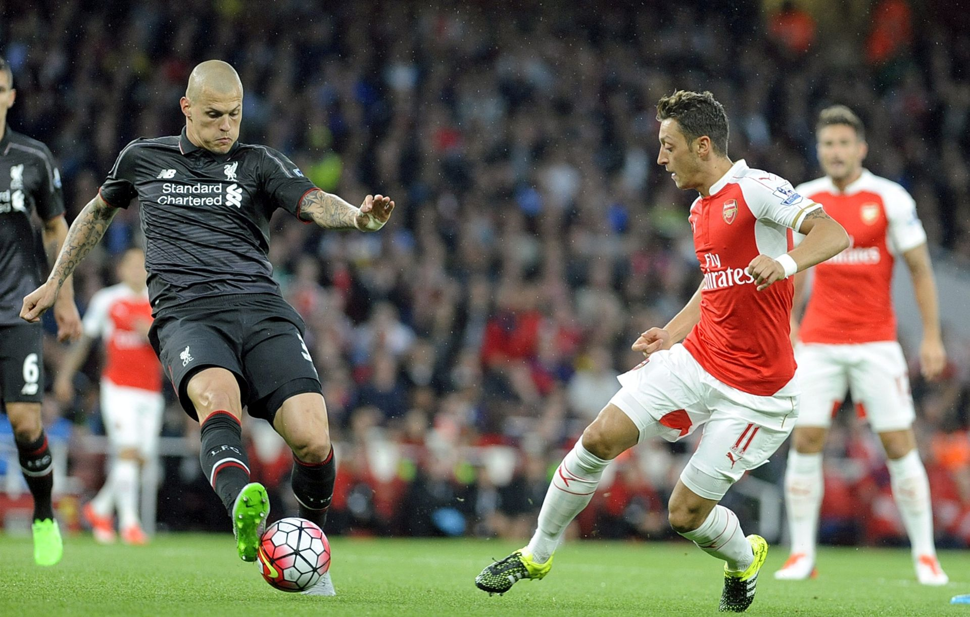 VRATARI FANTASTIČNI Uzbudljiva utakmica na Emiratesu završila bez pogodaka