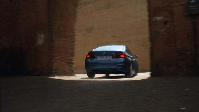 BMW-MI5-2