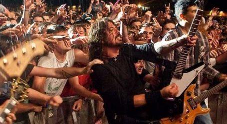 VIDEO: Dave Grohl otpjevao pjesmu s obožavateljem
