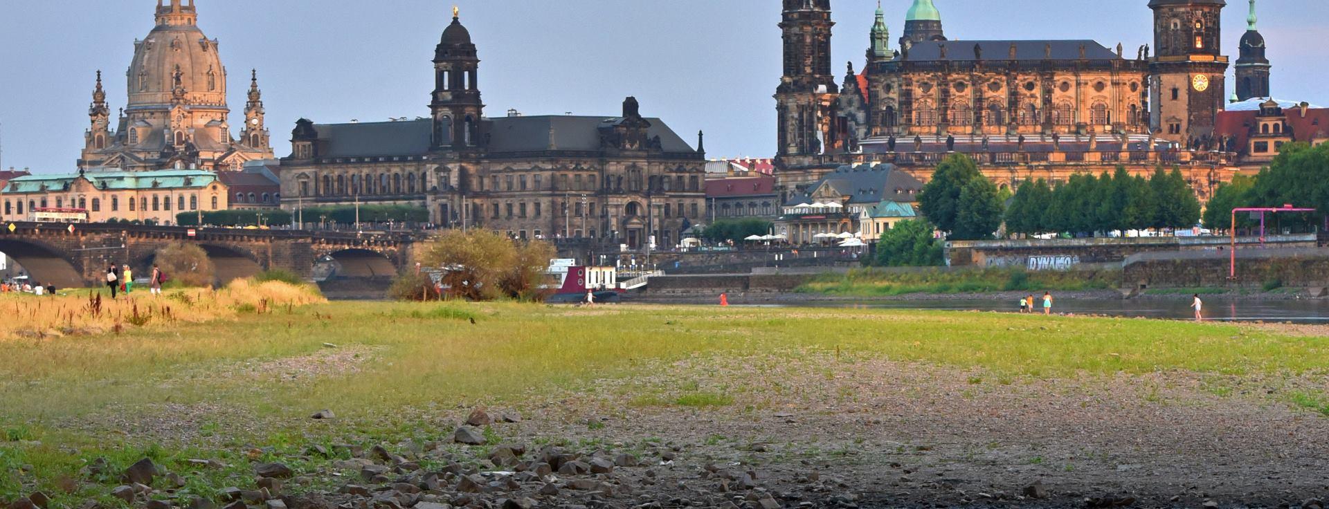 DRESDEN Rekordno niski vodostaj rijeke Elbe