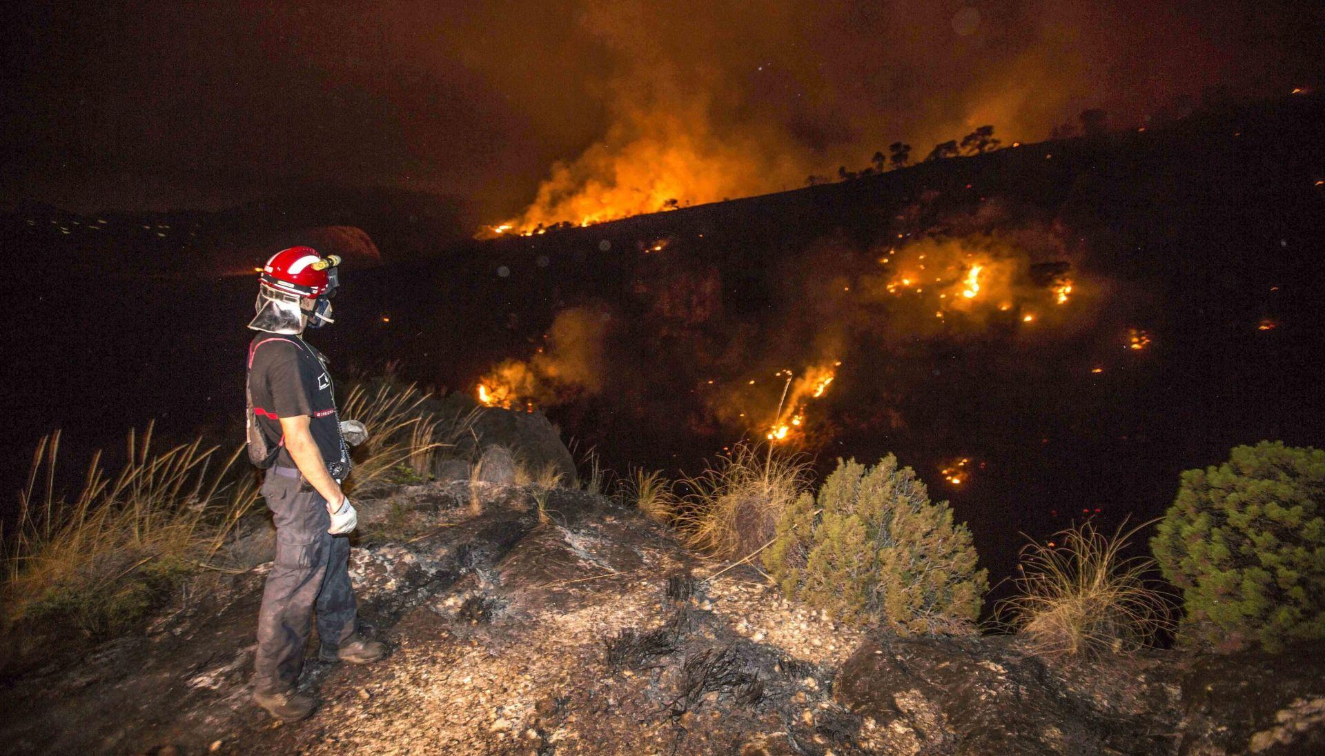 EVAKUACIJA U ŠPANJOLSKOJ Veliki požari ugrozili stanovništvo, u Portugalu ogromna suša