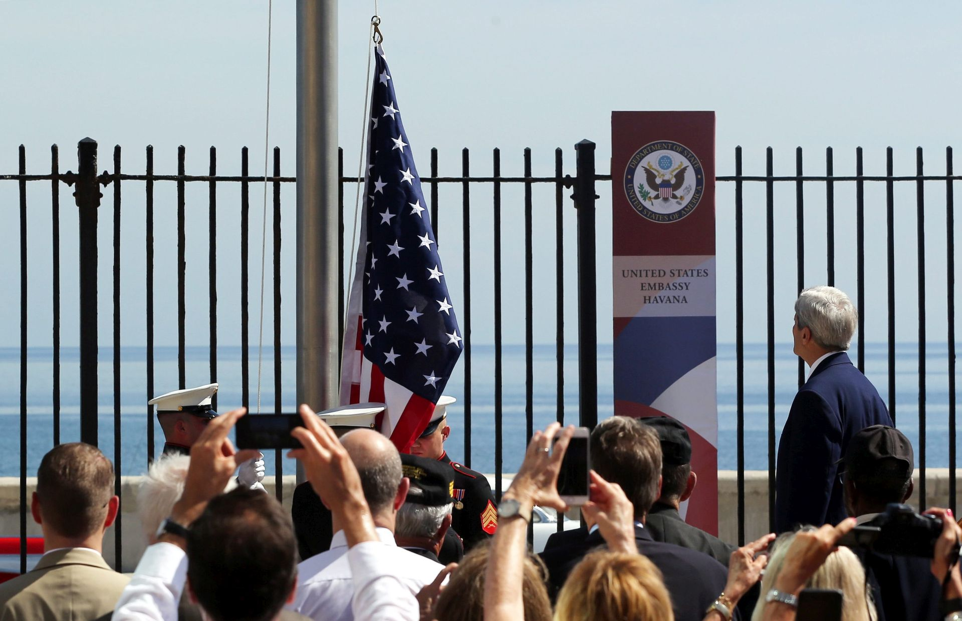 NOVA ERA U ODNOSIMA Kerry na podizanju američke zastave u Havani