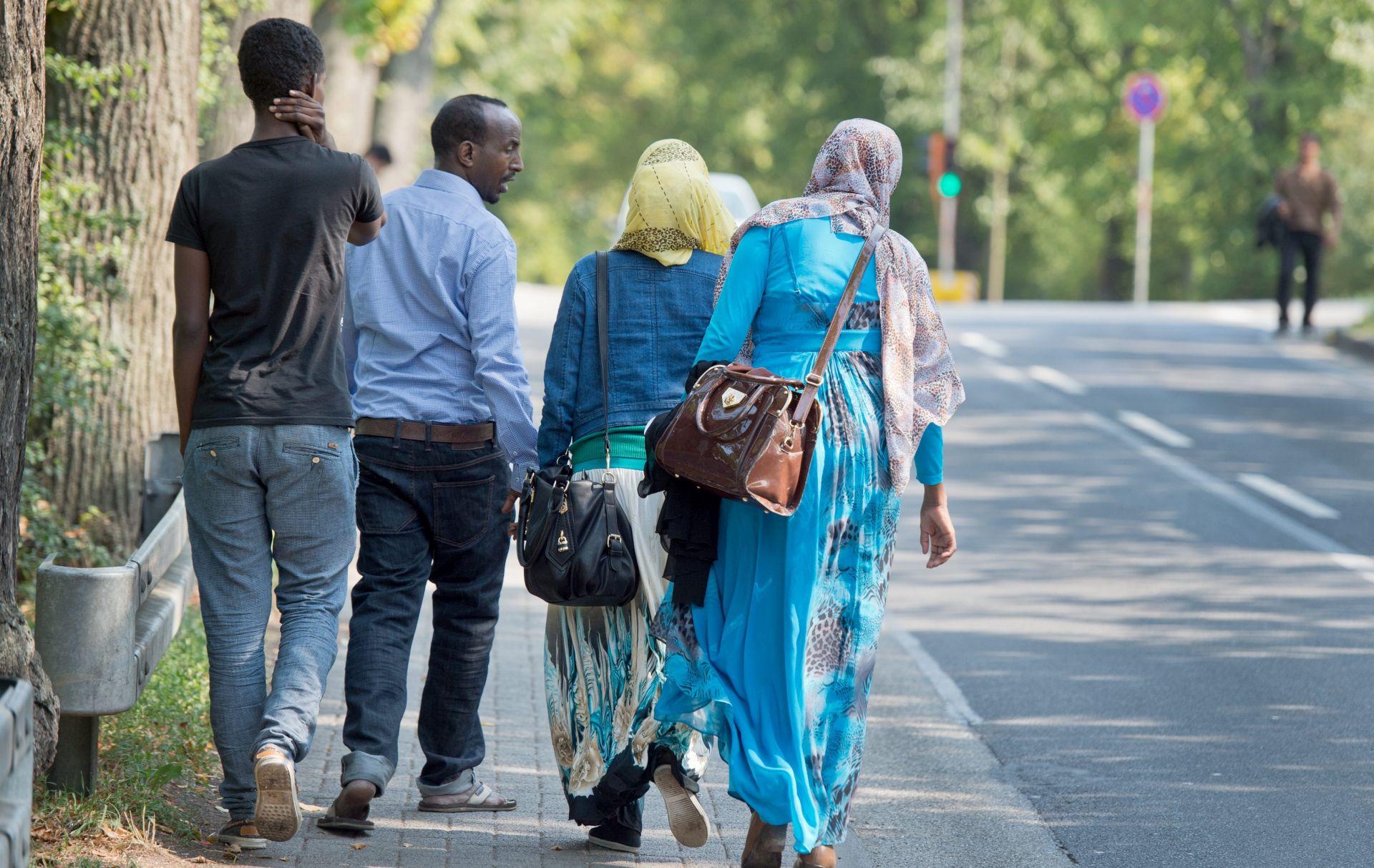 Njemačka očekuje rekordnih 800.000 zahtjeva za azil u 2015.