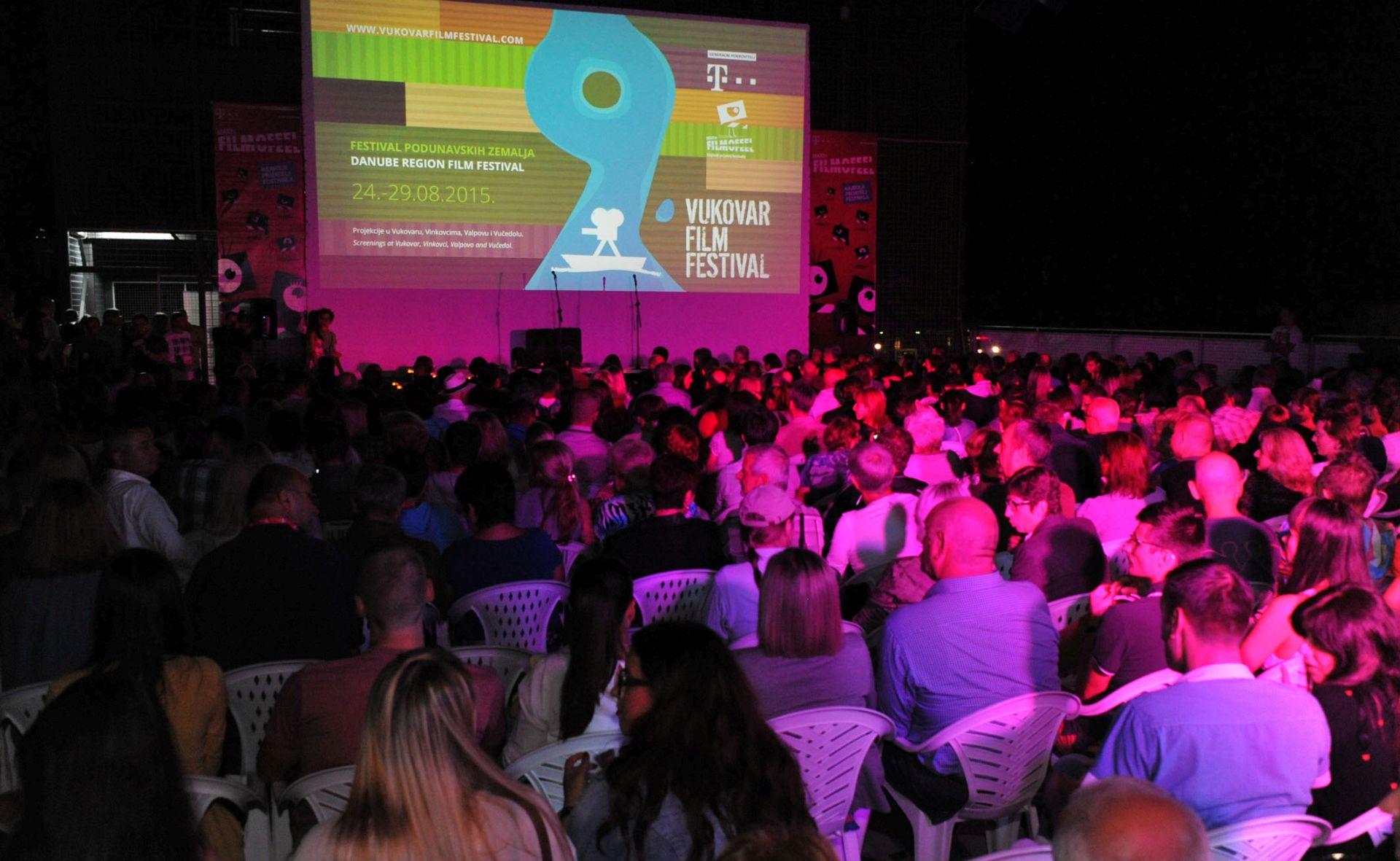FOTO: Otvoren 9. Vukovar film festival
