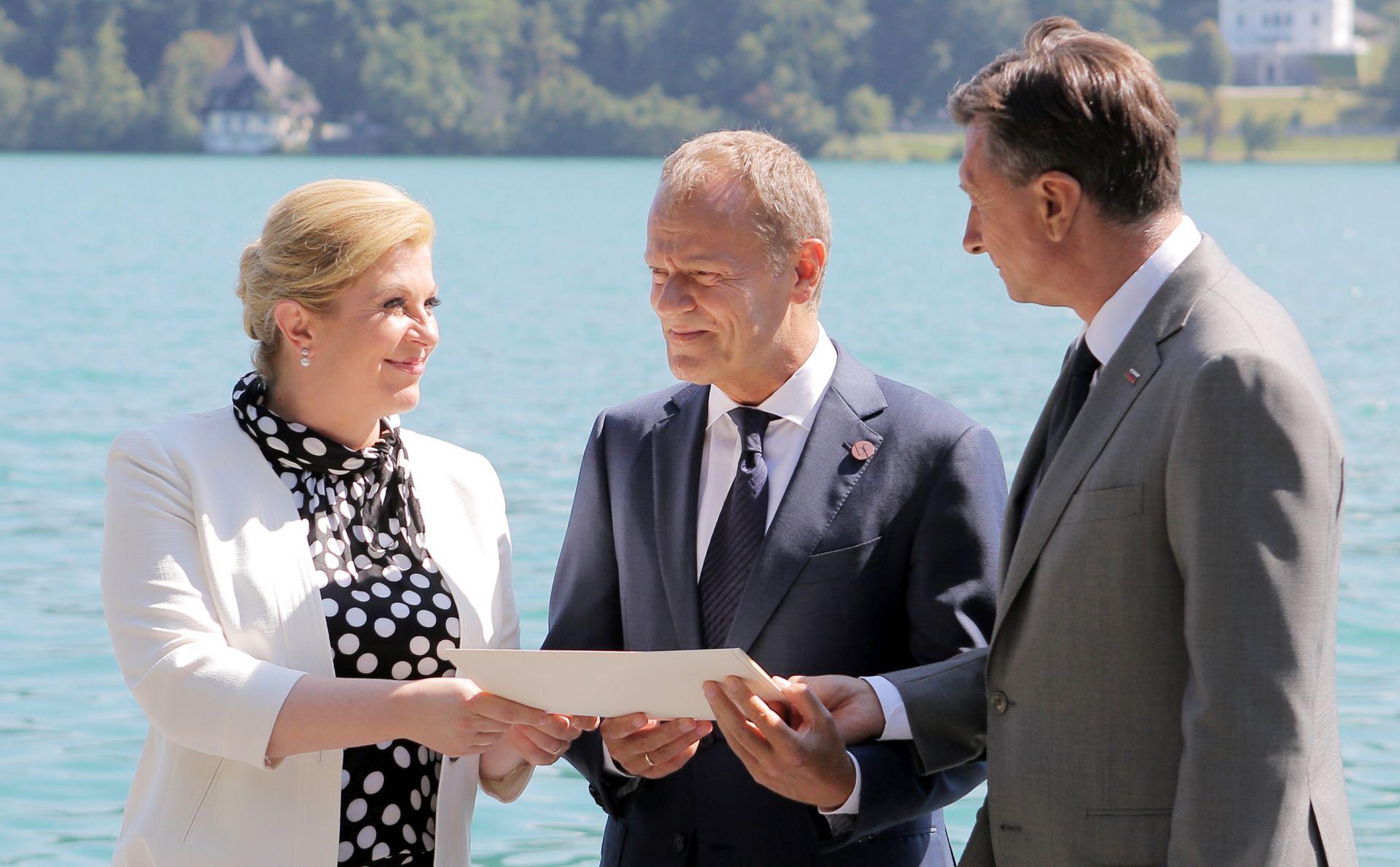 Grabar-Kitarović: Granica se više ne može rješavati arbitražom