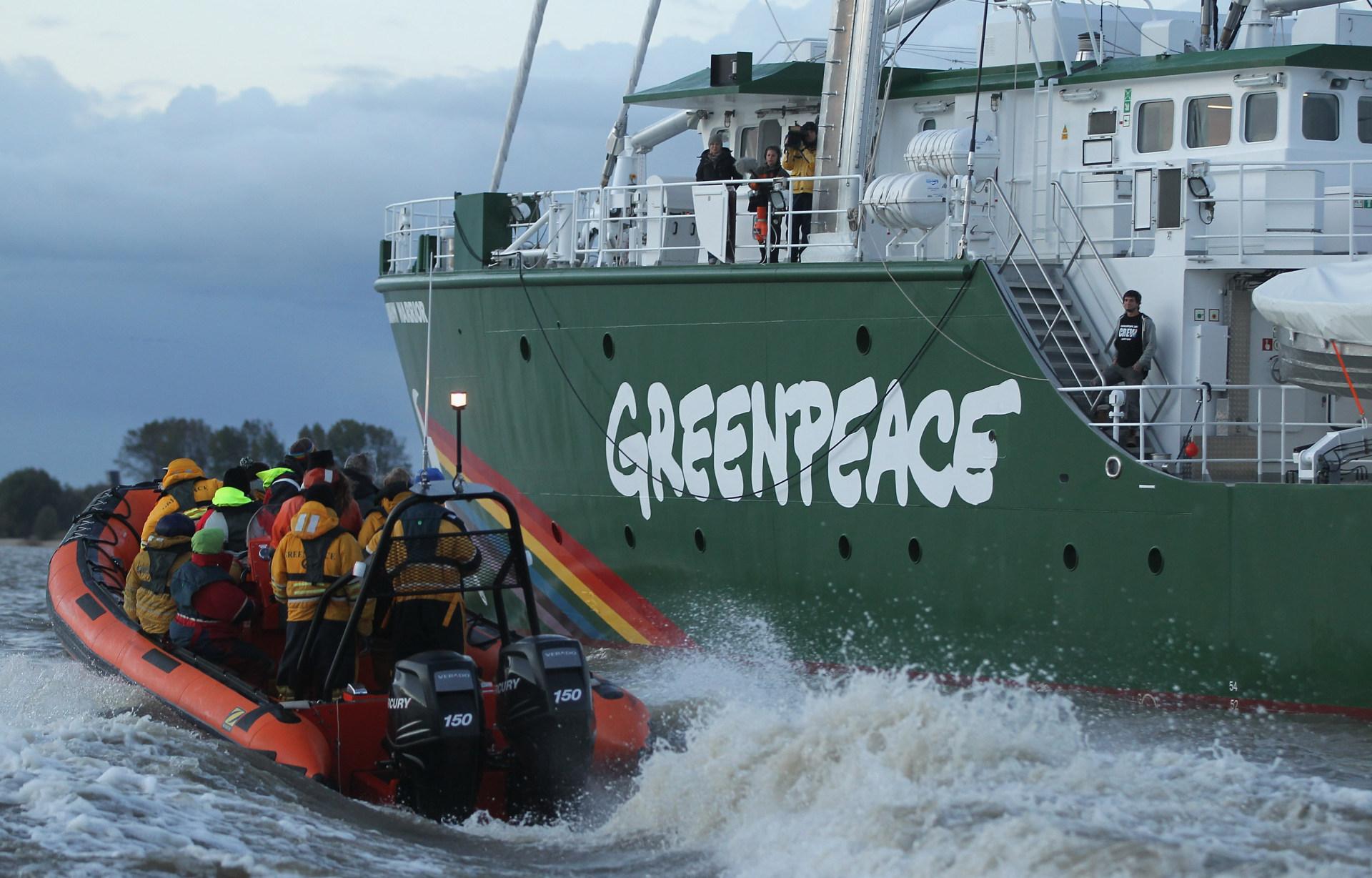 VIDEO: Greenpeace blokirao ulaz na konferenciju TTIP-a