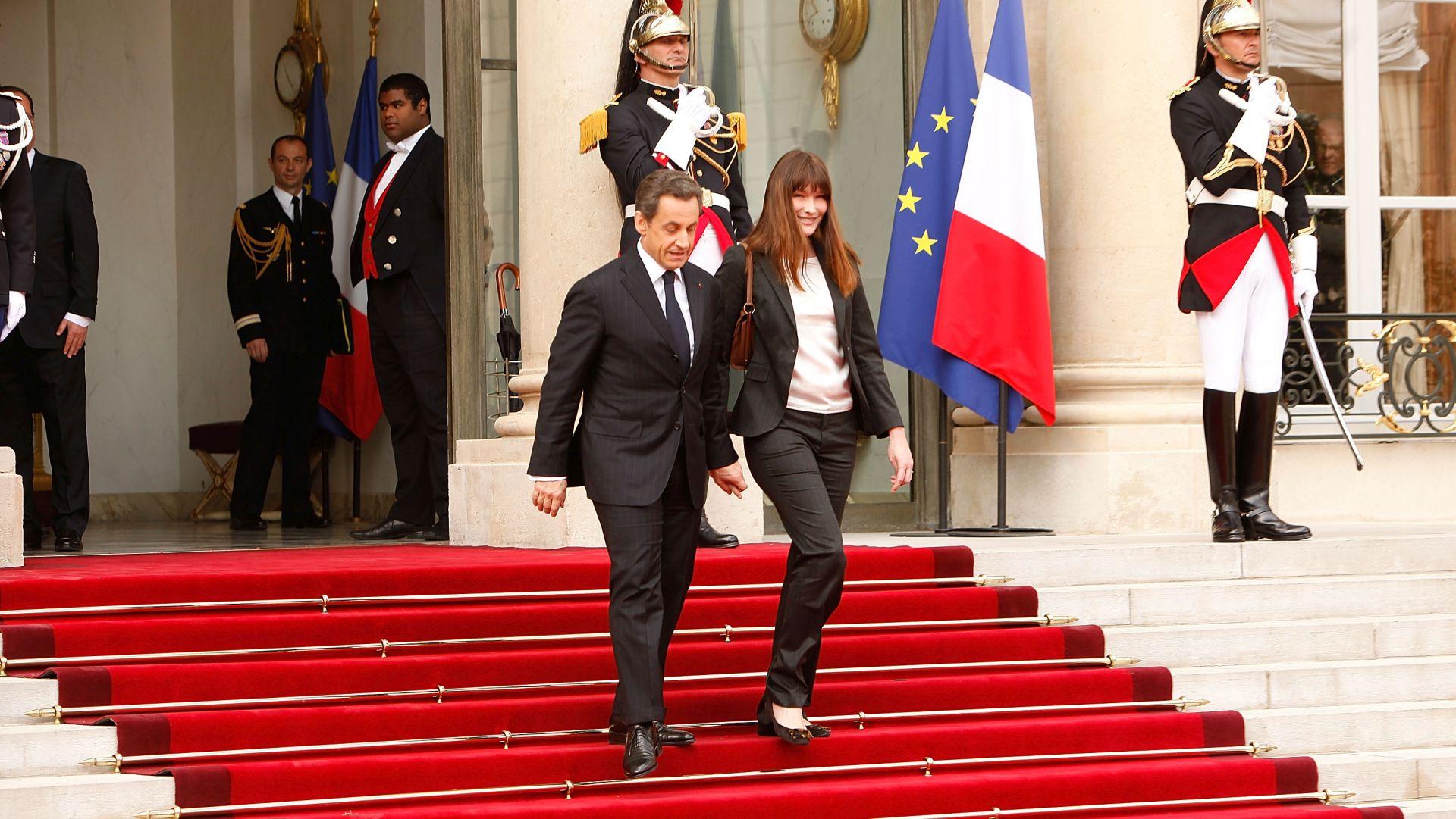 """MAGIČNO JE PORASTAO """"Sarkozy i Bruni odlučili su svoj odmor provesti u Photoshopu"""""""