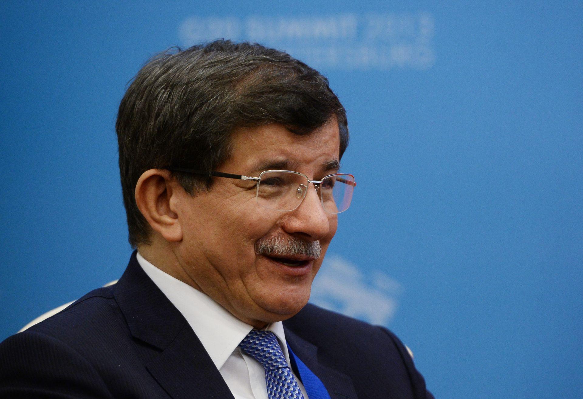 Davutoglu vratio mandat, Turskoj prijeti politička nestabilnost