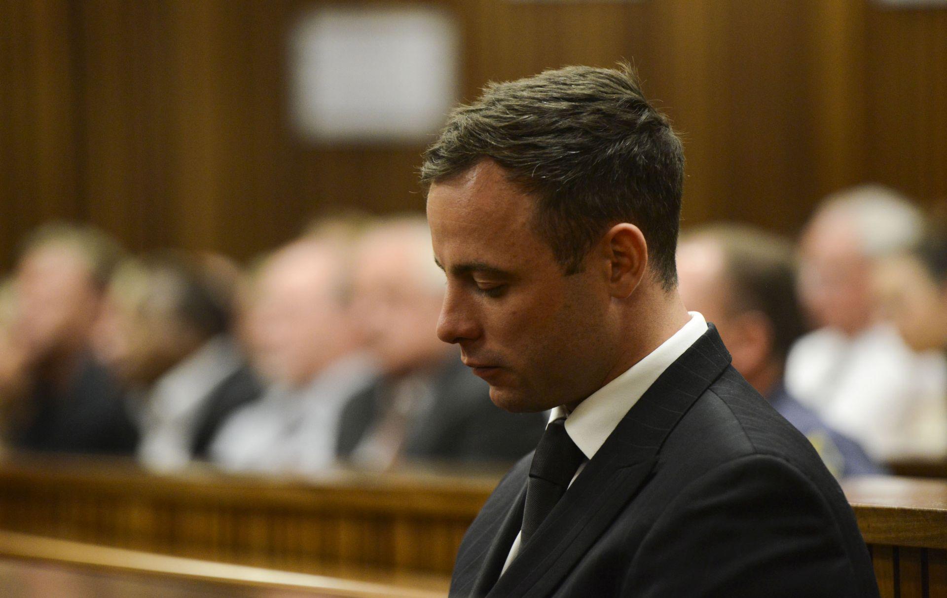 ODSLUŽIO SAMO DESET MJESECI PETOGODIŠNJE KAZNE Oscar Pistorius izlazi iz zatvora