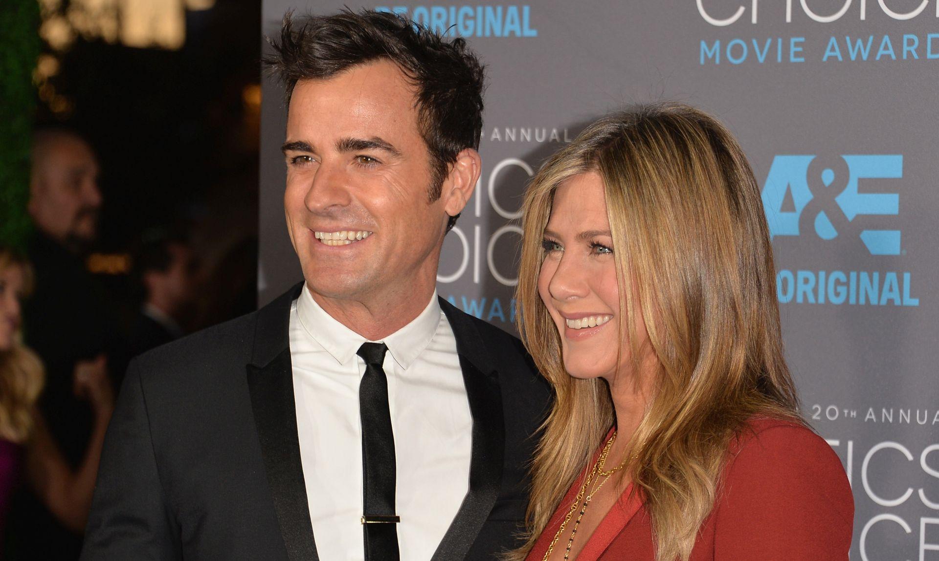 NAKON TROGODIŠNJIH ZARUKA Jennifer Aniston i Justin Theroux vjenčali se na intimnoj ceremoniji