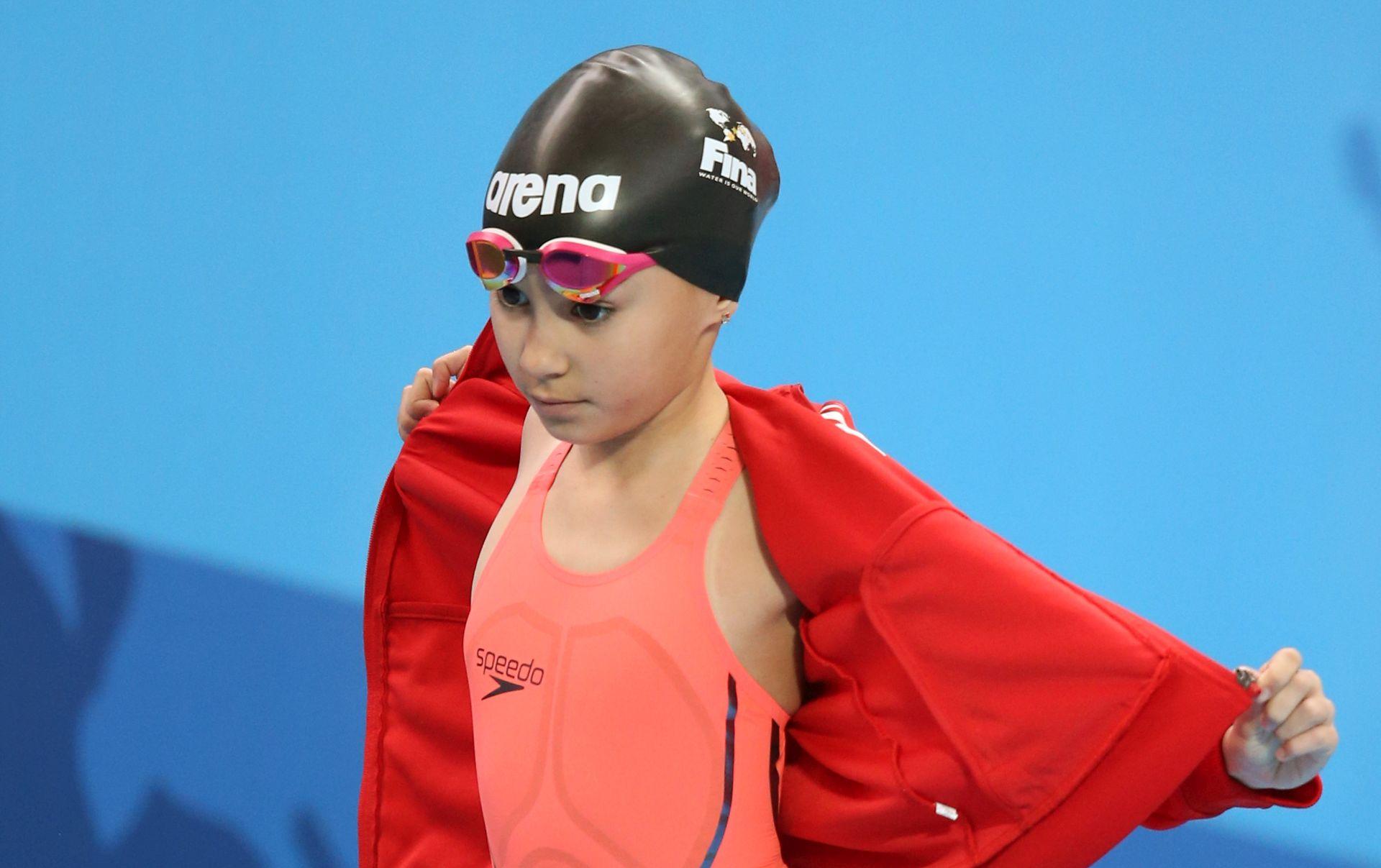 VIDEO: PLIVAČKO ČUDO IZ BAHREINA Desetogodišnjakinja najmlađa natjecateljica u povijesti