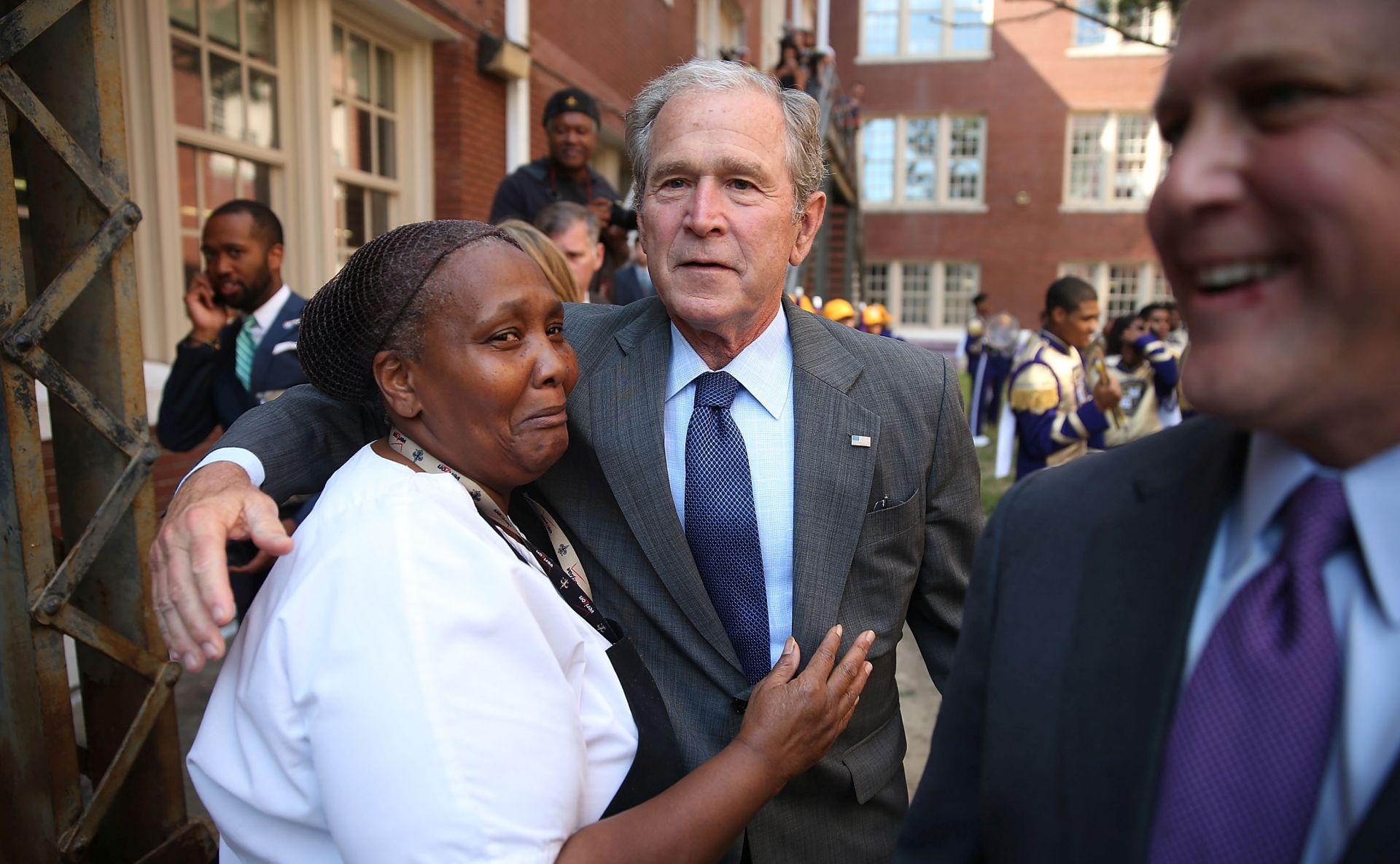 POVRATAK U POLITIKU: George W. Bush se pridružuje kampanji brata Jeba