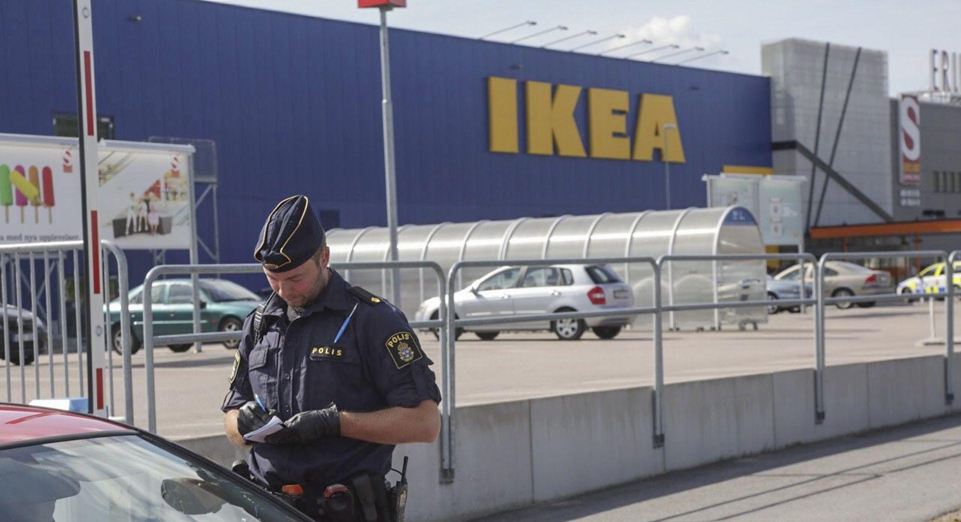 Dvoje ljudi ubijeno nožem u IKEA-i u Švedskoj