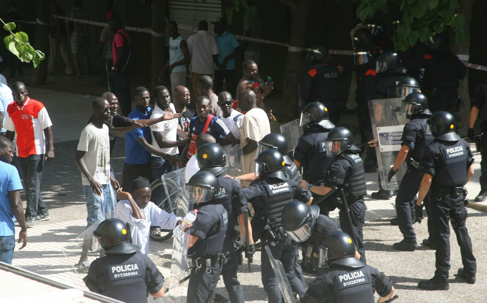NAKON SMRTI SENEGALCA U sukobima afričkih imigranata i policije u Kataloniji 24 ozlijeđena