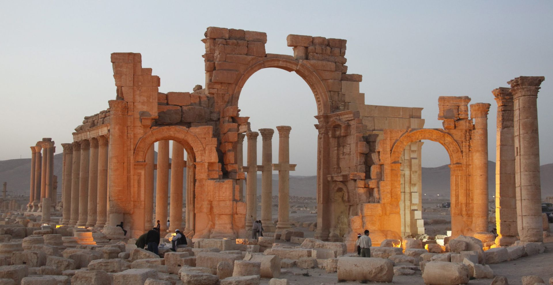 Ruska vojska prvi put bombardirala okolicu Palmire u Siriji