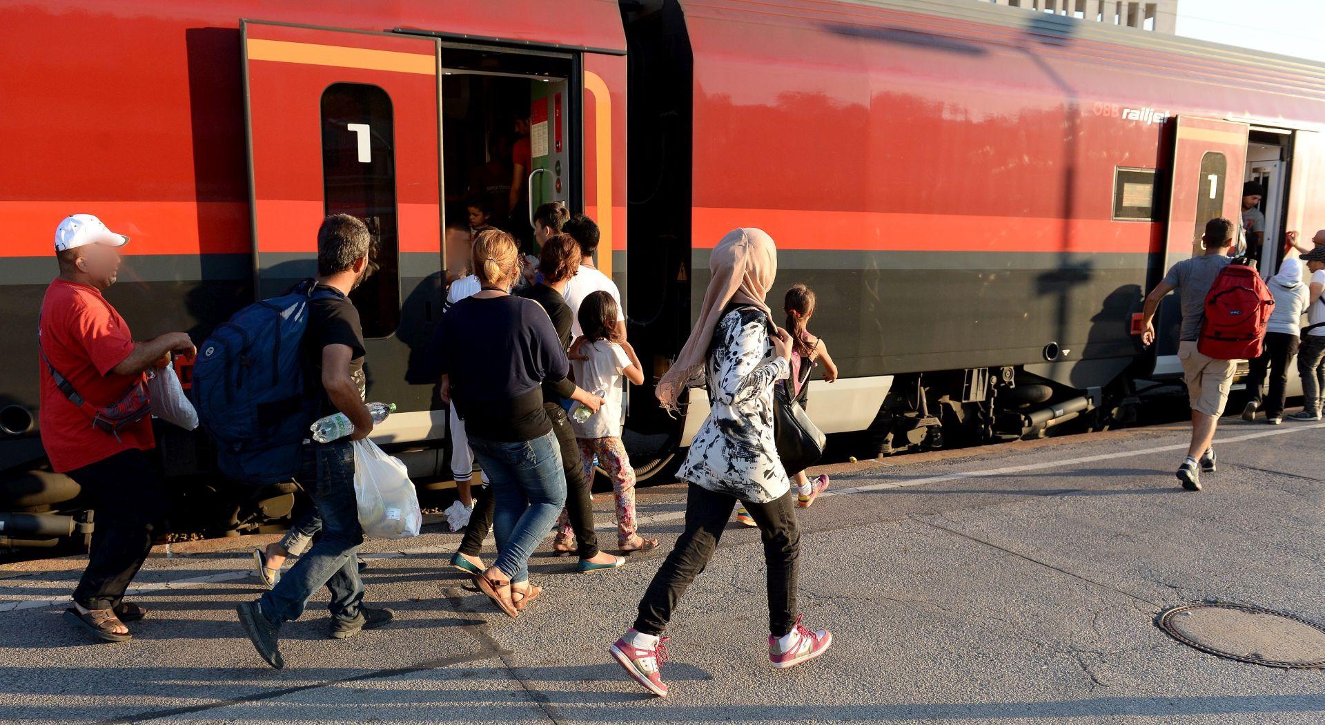 Iz Mađarske u Bavarsku stigao vlak s 400 izbjeglica
