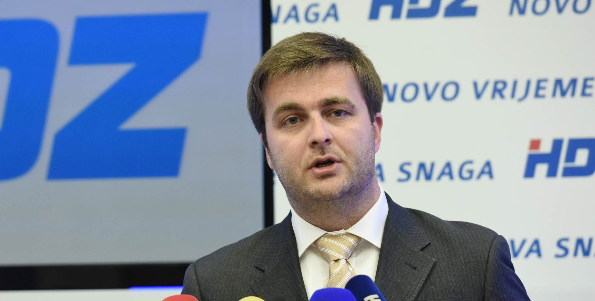 Ćorić preuzeo Ministarstvo rada i mirovinskog sustava