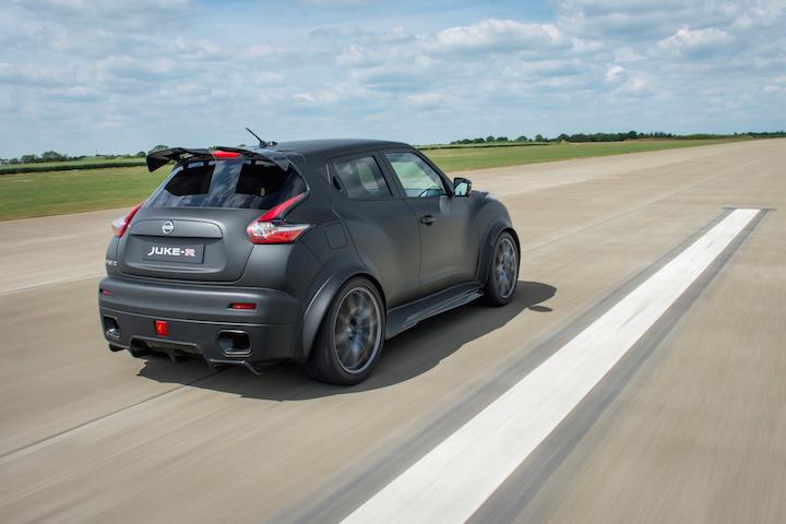 Nissan-Juke-R-2.0-2