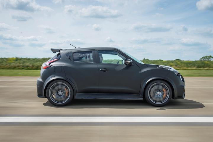 Nissan-Juke-R-2.0-3