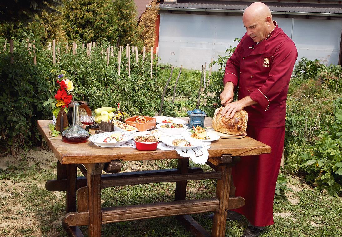 Branimir Alexander Tomašić u vrtu svog restorana Mala Hiža u Mačkovcu pored Čakovca