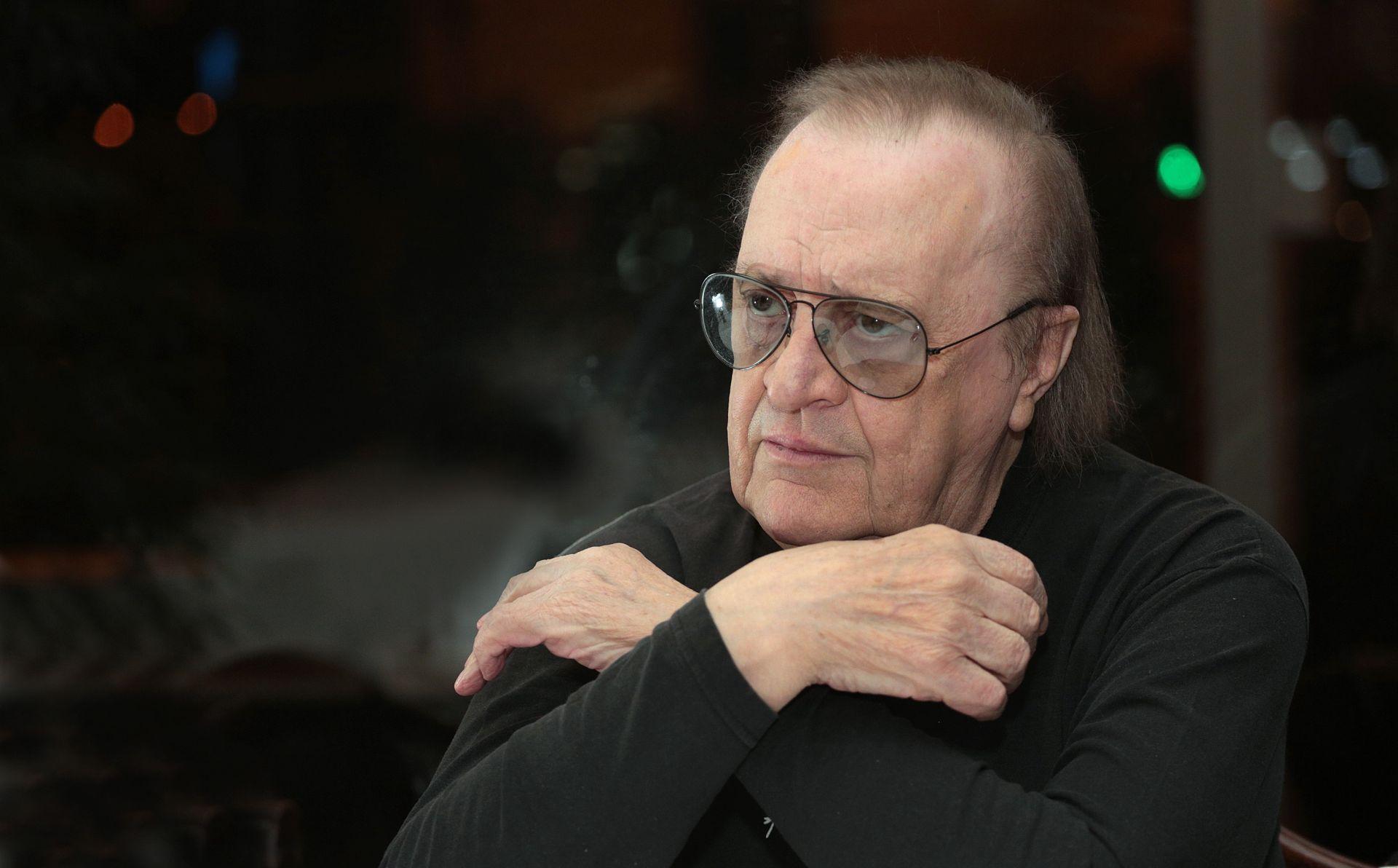 Arsen će u Srbiji ostati upamćen kao romantik, šansonijer Balkana osebujnog stila