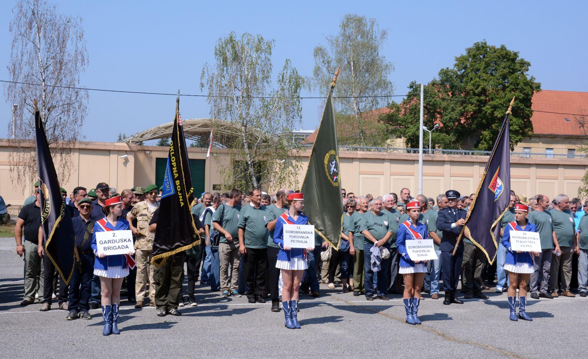 FOTO: Mimohodom obilježena obljetnica predaje kordunskog korpusa
