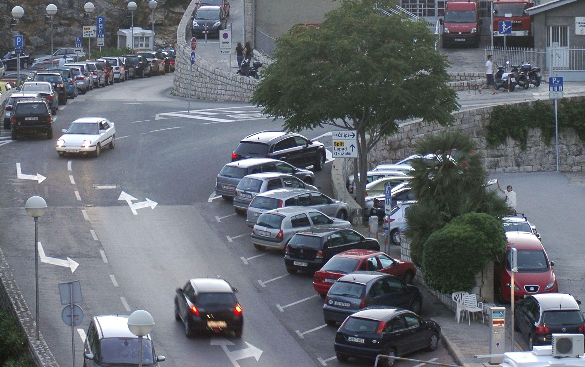 POSKUPLJENJE OD STO POSTO Od 1. rujna parkiranje u Dubrovniku 40 kuna po satu