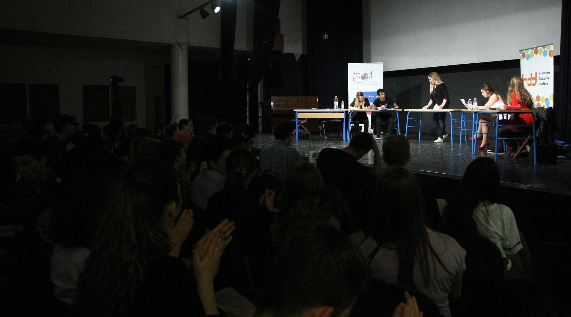IZNIMAN USPJEH Hrvatski srednjoškolci svjetski prvaci u debati