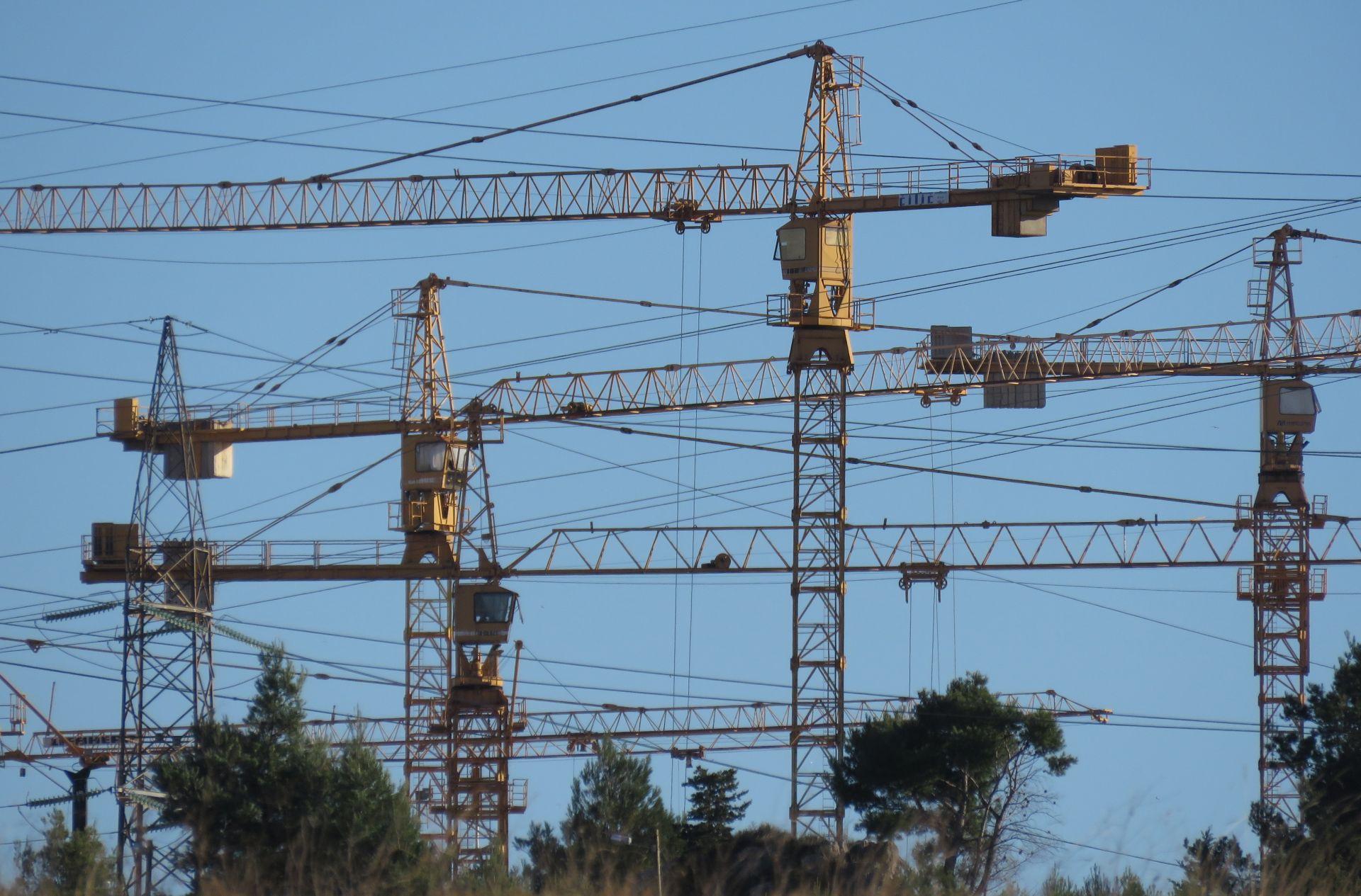 DZS: U lipnju izdano 3 posto manje građevinskih dozvola