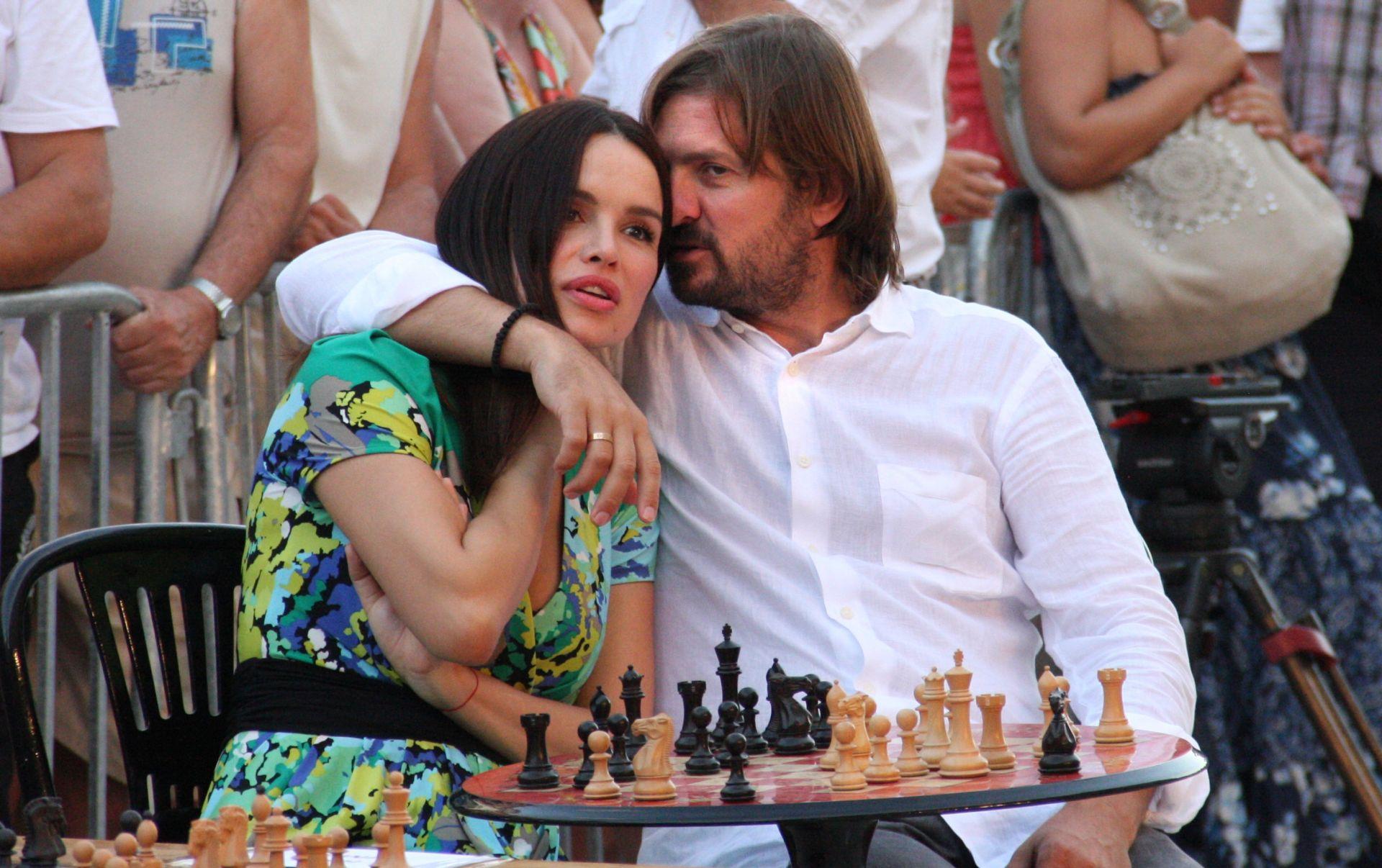 Popović prodaje salaš u kojem je planirao zajednički život sa Severinom