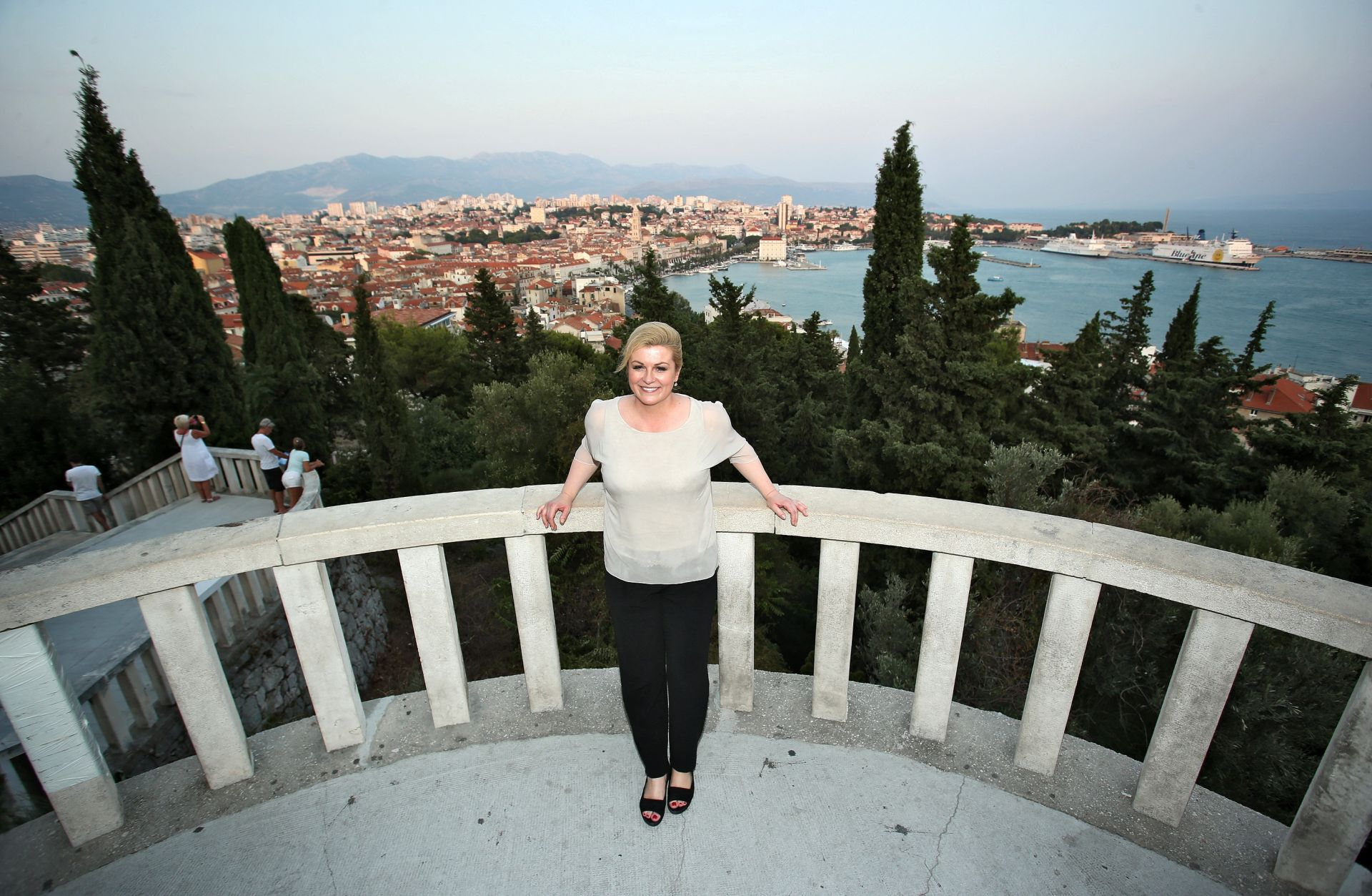 FOTO: Predsjednica Grabar Kitarović posjetila obrtničke radnje u Splitu