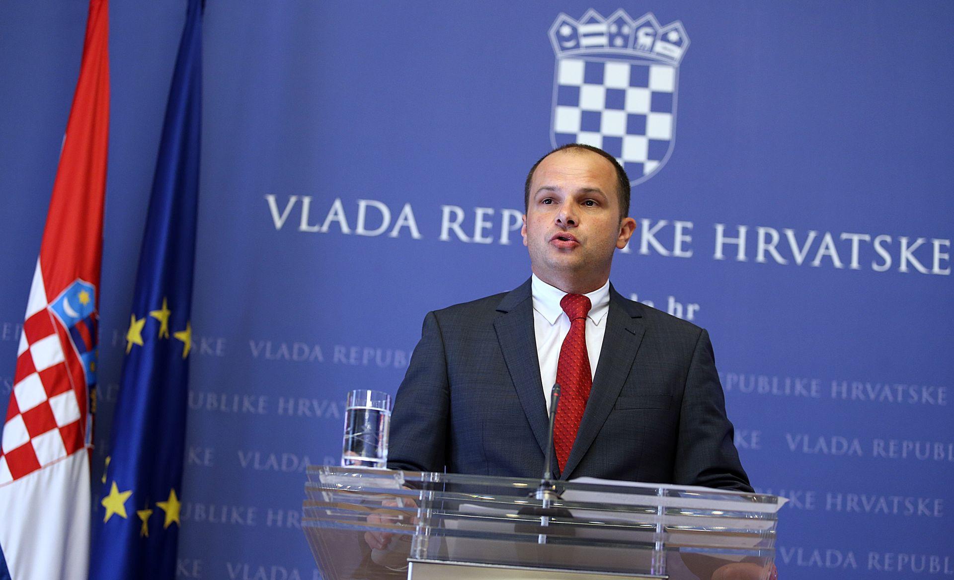 Hajdaš Dončić: Radnicima na naplatnim postajama HAC-ONC-a otpremnine ili prekvalifikacija