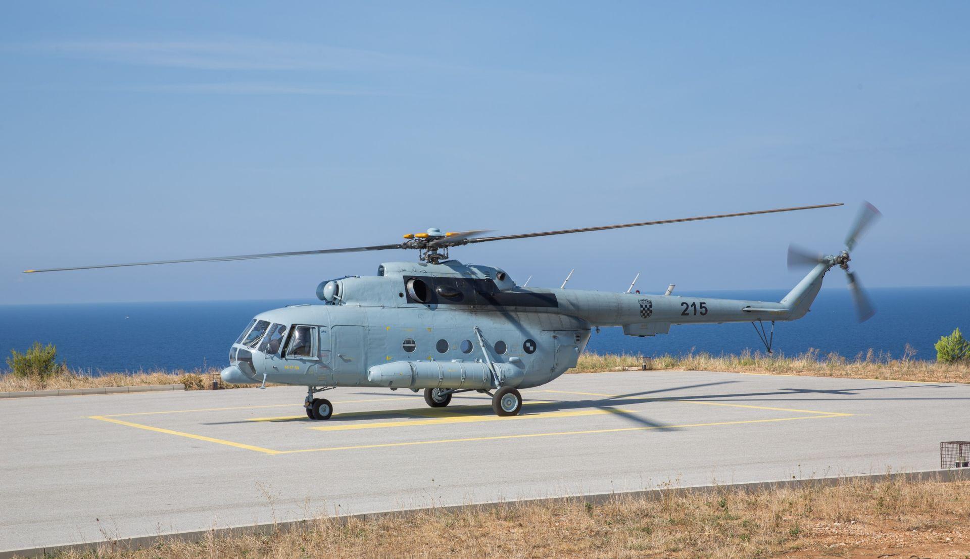 Spašena Čehinja prevezena vojnim helikopterom u Starigrad