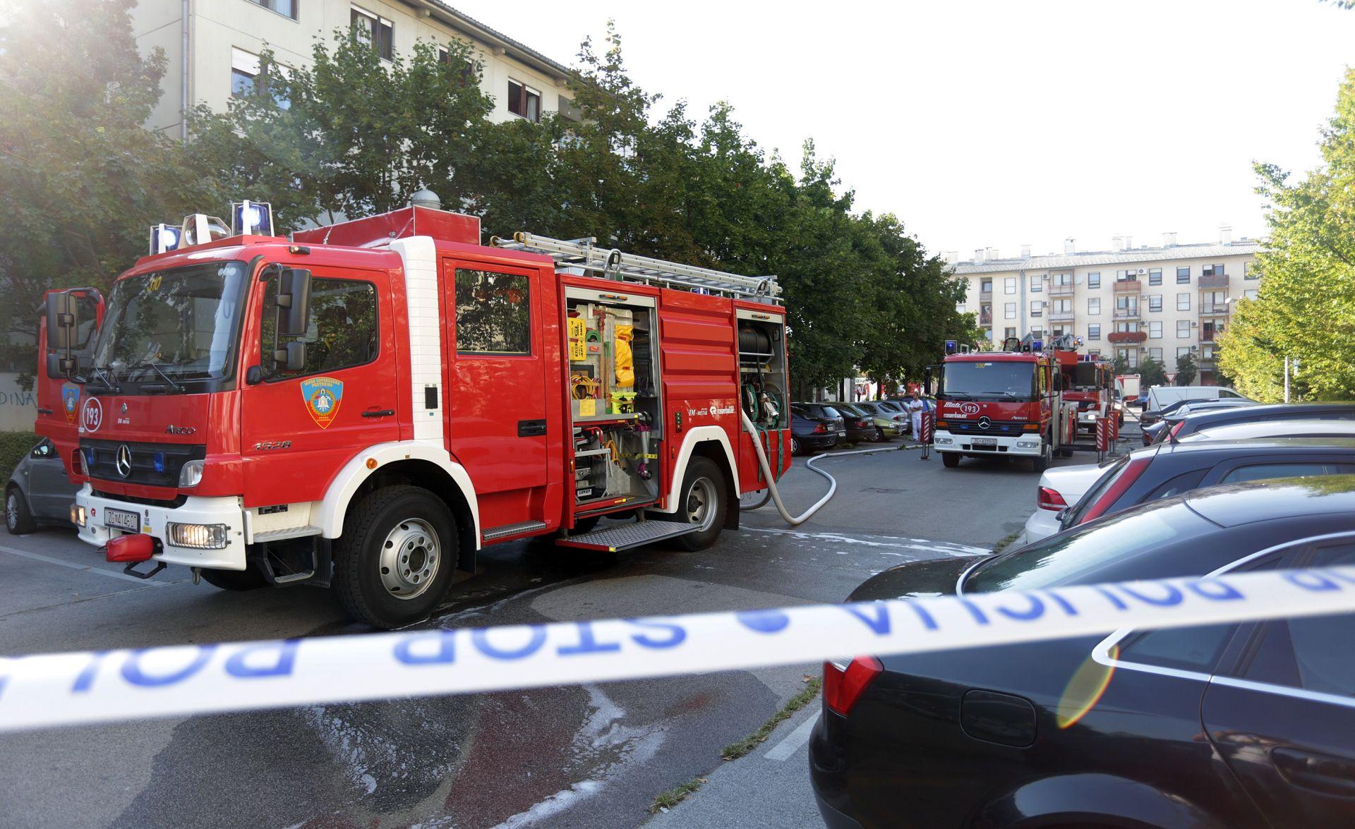 FOTO: EKSPLOZIJA PLINSKE BOCE vatrogasci dizalicom evakuitali stanare na Vrbanima, šest ozlijeđenih