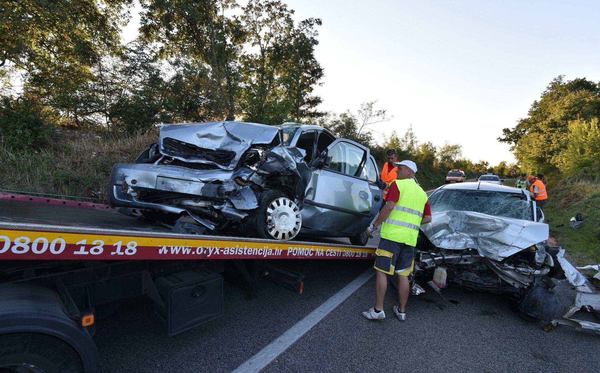 FOTO: U sudaru triju automobila kod Golaša poginuo vozač Ford Focusa