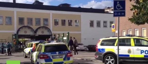 PUCNJAVA KOD STOCKHOLMA: Jedna osoba poginula imigrantskom predgrađu
