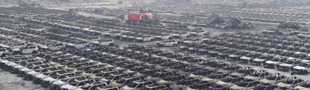 OGROMNA ŠTETA Zgarište u carinskom skladištu nakon eksplozije u Tianjinu