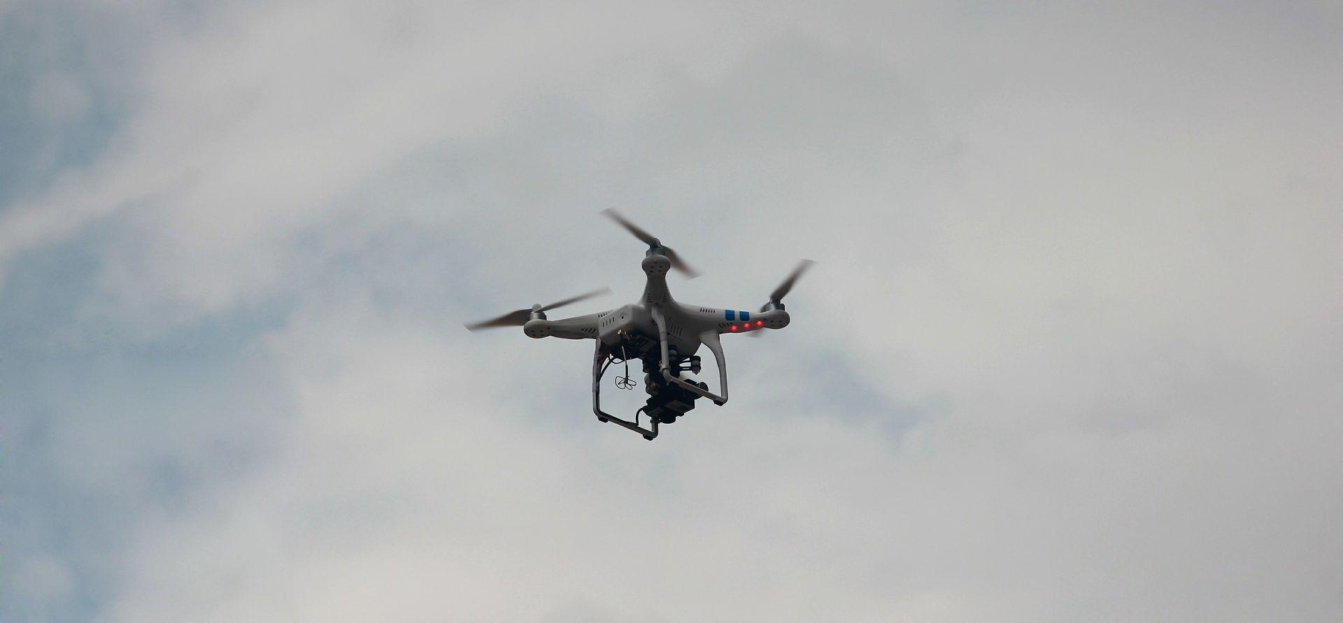 UPOZORENJE AMERIČKE VLADE Teroristi bi dronovima mogli napasti civile