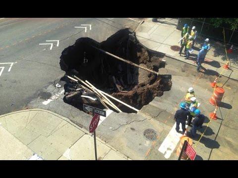 VIDEO: Golema rupa 'progutala' na jedno od najprometnijih raskrižja u New Yorku