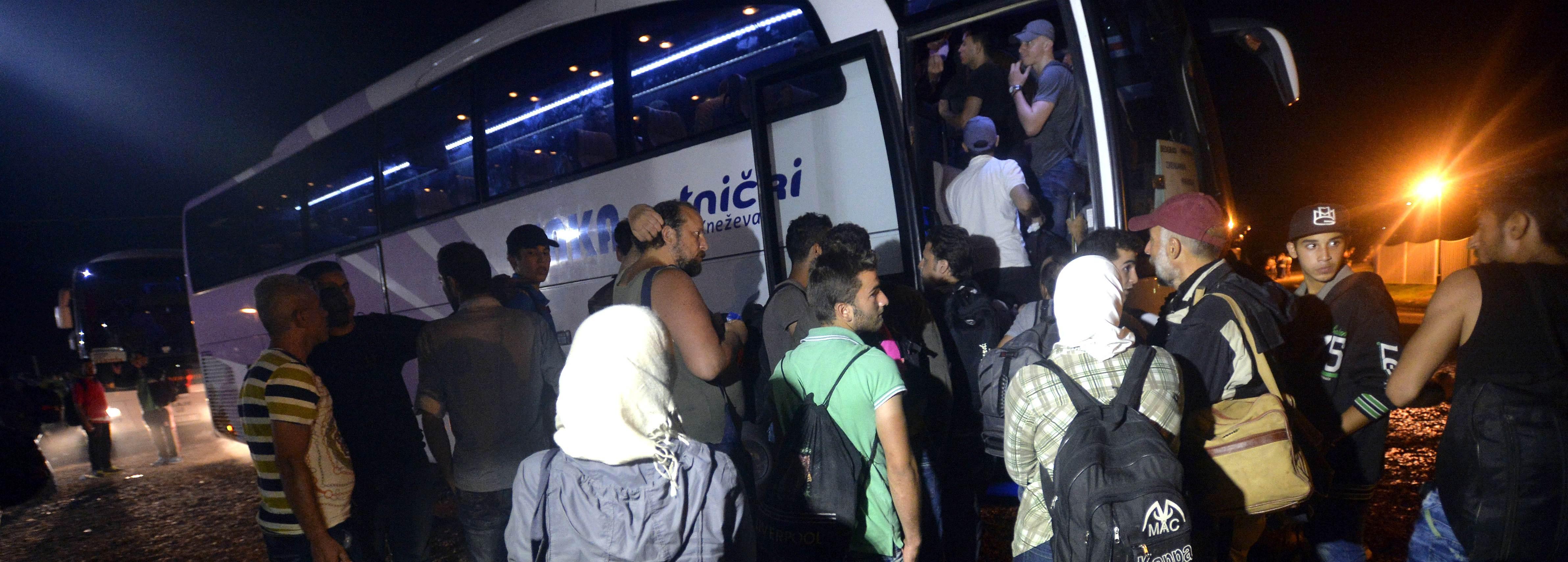 UTRKA S VREMENOM: Srbija se pokušava riješiti imigranata prije nego mađari zatvore granicu