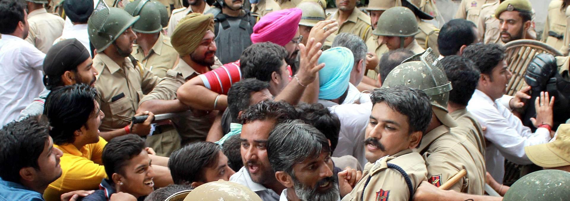 KOBNO NAGURAVANJE: Desetero mrtvih na hodočašću u Indiji