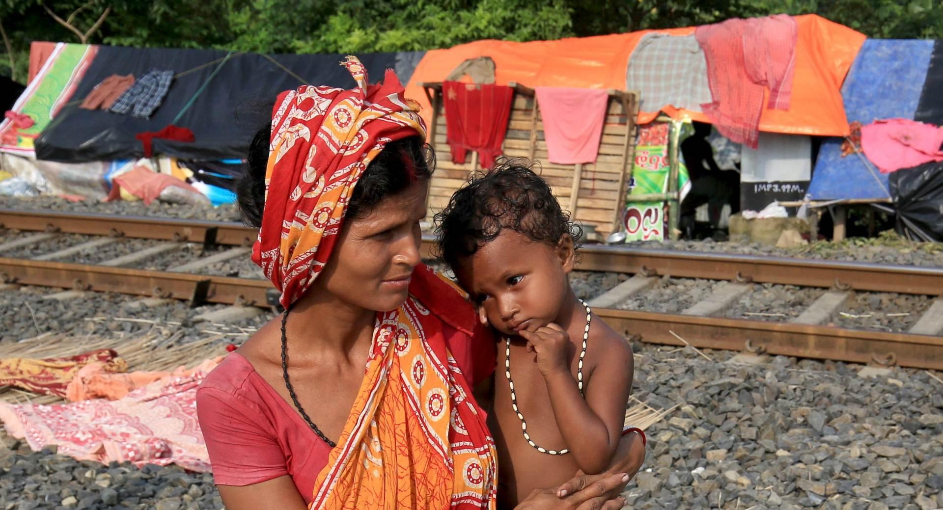 U Indiji vlakovi iskočili iz tračnica, poginulo najmanje 20 osoba