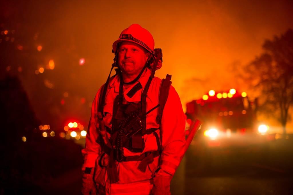 Kalifornija: bojazan da je u požaru u noćnom klubu poginulo do 40 ljudi
