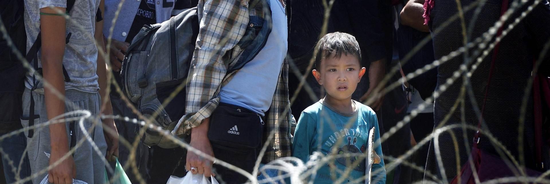 Mađarska pojačava ogradu protiv migranata na srbijanskoj granici