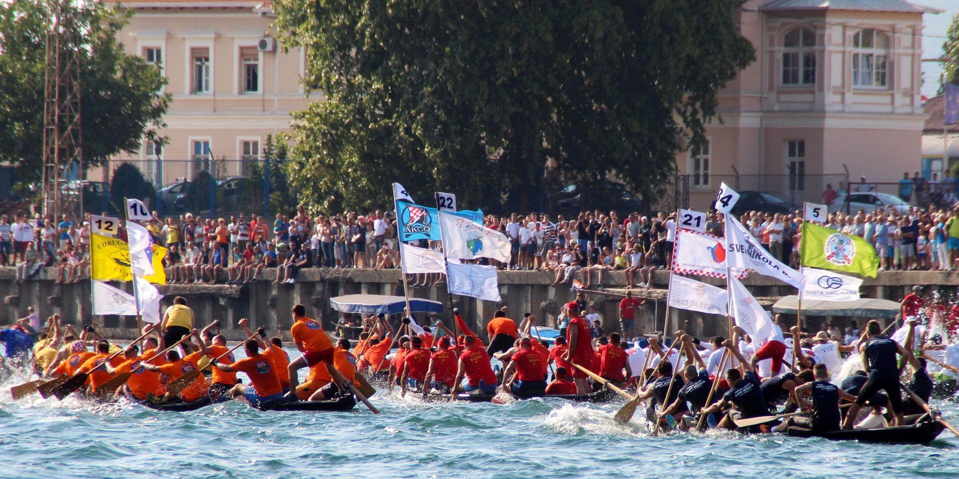 U DUHU ZAJEDNIŠTVA Počeo 18. maraton lađa na Neretvi