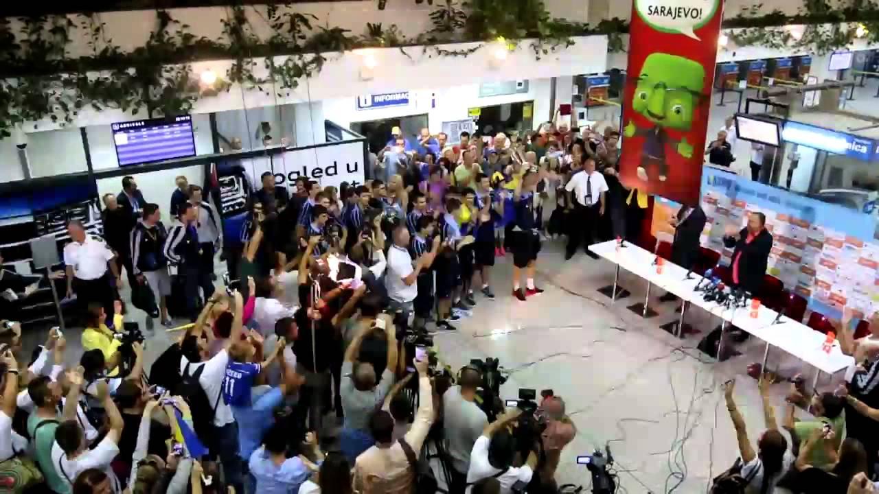 VIDEO: LUDNICA U SARAJEVU Spektakularan doček mladih košarkaša nakon zlata na EP